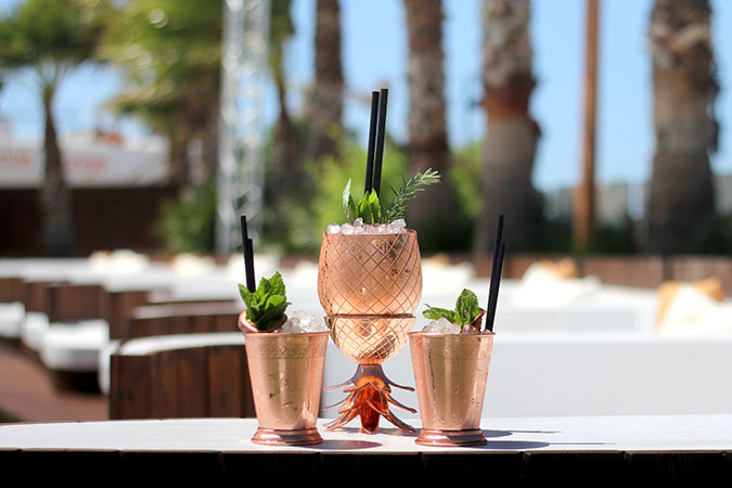 What's-New-Ocean-Beach-Ibiza-Pineapple-Sharing-Cocktails
