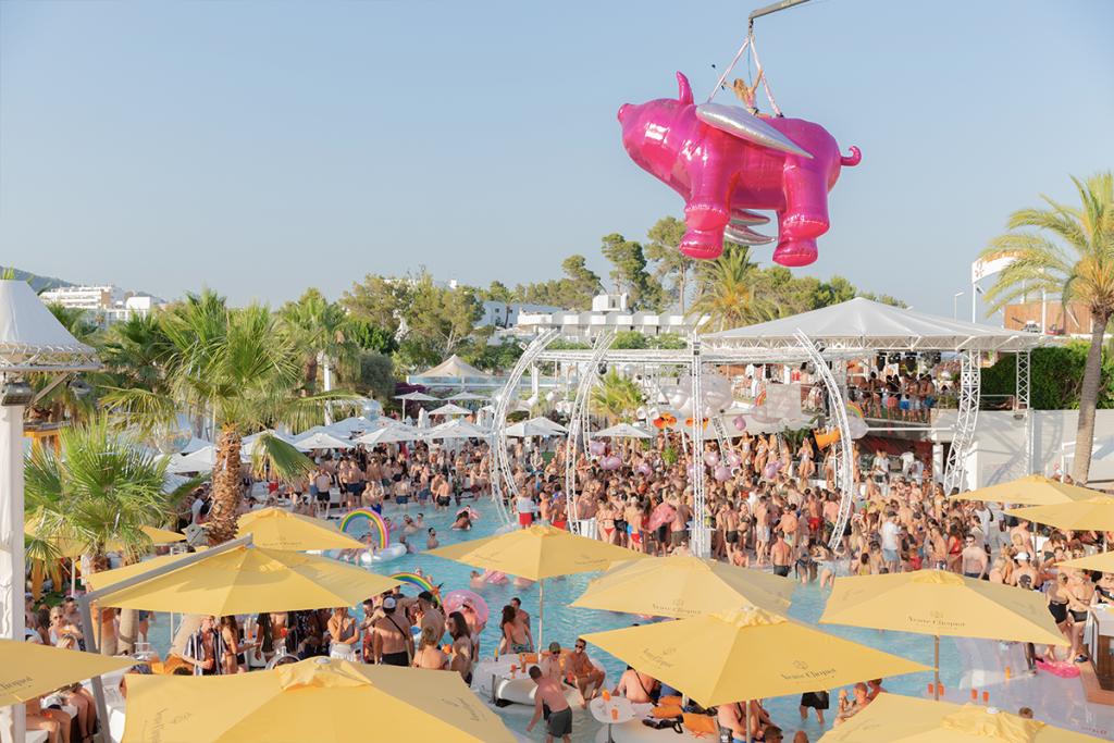 O Beach Ibiza Flying Pig